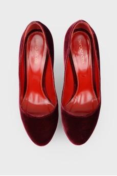 Бархатные туфли на шпильке