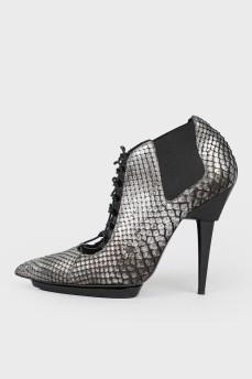 Остроносые туфли темное серебро