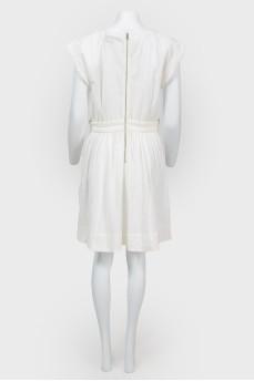 Платье белое из фактурной ткани с биркой