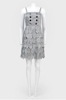 Платье с крупной бахромой на бретелях