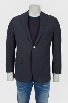 Классический мужской пиджак с разрезами