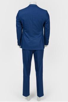 Классический мужской костюм синего цвета