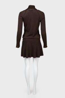 Трикотажное платье с заниженной талией