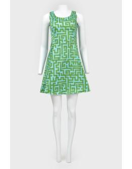 Платье А-силуэта в абстрактный принт лабиринт