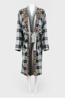 Платье-халат в комбинированную клетку и абстрактный принт