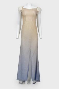 Платье вечернее с перьями и стразами