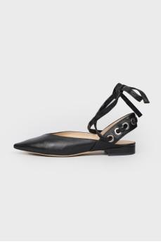 Босоножки на низком каблуке с завязками Sandro