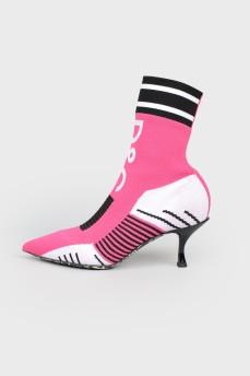 Туфли-носки розового цвета с биркой