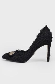 Туфли черные текстильные с пуговицей и биркой
