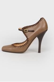 Туфли на ременной пряжке