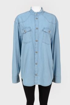 Рубашка с металлическими фирменными пуговицами с биркой