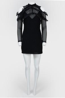 Ажурное мини-платье с фигурными вырезами