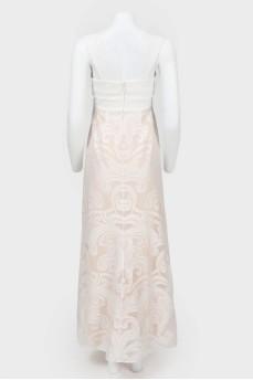 Платье макси на широких бретелях с кружевной юбкой