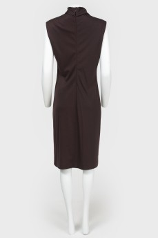 Платье с воротником-стойкой и бантом