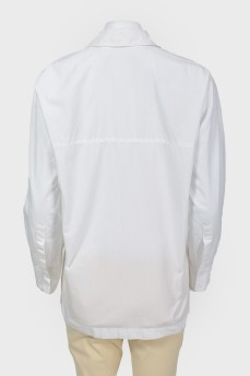 Рубашка на кнопках с вышитым лого бренда
