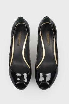 Туфли лакированные с открытым носком