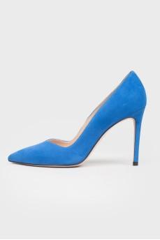 Ярко-синие туфли на шпильке