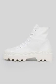 Ботинки на массивной подошве на шнуровке