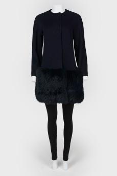 Пальто с меховой вставкой снизу