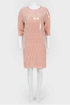 Платье с треугольным вырезом сзади