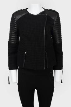 Приталенная куртка с кожаными вставками