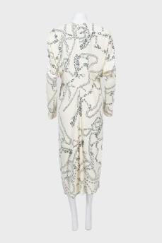 Платье в деловом стиле в принт цепи