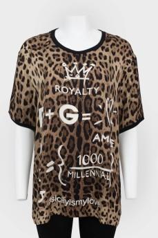 Свободный топ-футболка в леопардовый принт