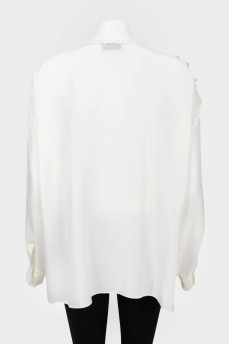 Блуза на пуговицах с кружевом