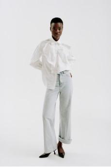Блуза с длинным рукавом с жабо