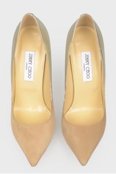Туфли с градиентом от бежевого к золотистому
