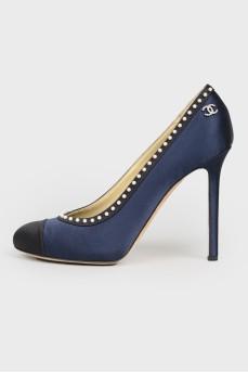 Туфли на шпильке с бусинами