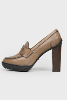Туфли-слипоны на высоком каблуке
