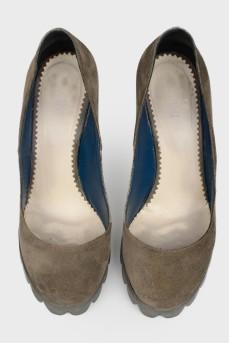 Замшевые туфли на лакированном каблуке