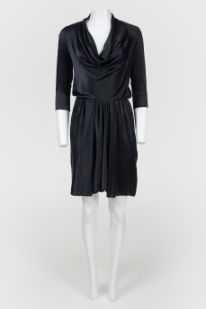 Платье-миди шелковое с воротом-хомутом
