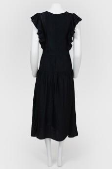 Длинное платье с рукавами-воланами