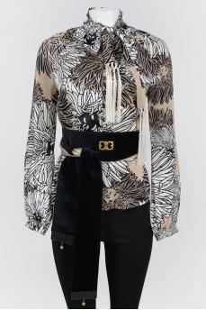 Блуза с длинным широким поясом