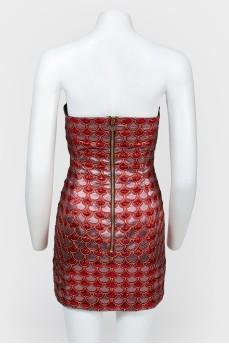 Вечернее мини-платье с золотистыми лакированными вставками