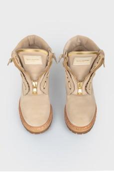 Ботинки на низком ходу на шнуровке