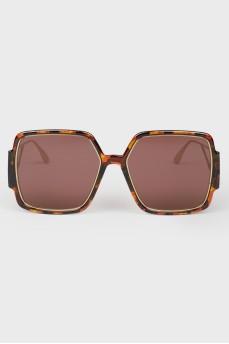 Солнцезащитные очки красные с биркой