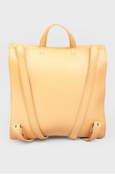 Кожаный рюкзак прямоугольной формы с биркой