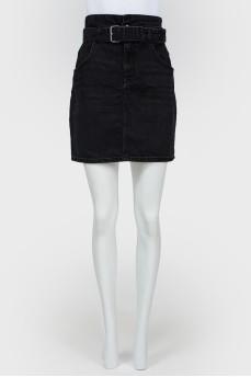 Джинсовая мини-юбка с поясом