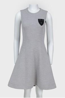 Платье без рукавов с юбкой-солнцем