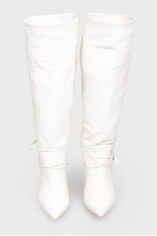 Белые высокие сапоги
