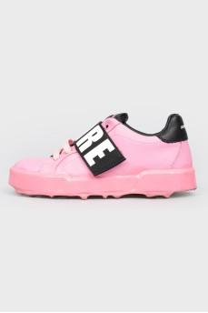 Детские розовые кроссовки на липучках