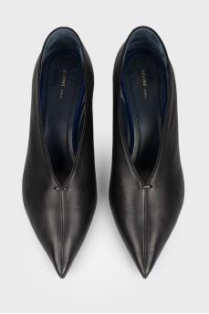Туфли черные кожаные с острым носком