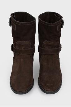 Ботинки коричневые замшевые на ремешках