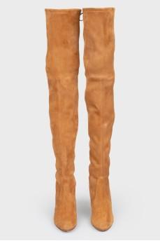 Высокие сапоги коричневые замшевые на каблуке