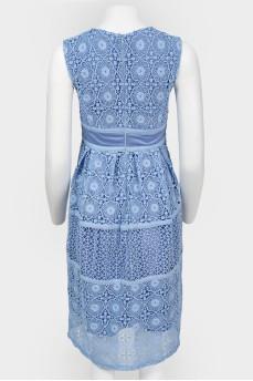 Голубое кружевное платье на молнии