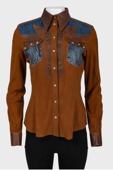 Кожаная коричневая куртка с джинсовыми вставками