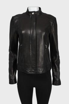 Куртка черная кожаная на молнии